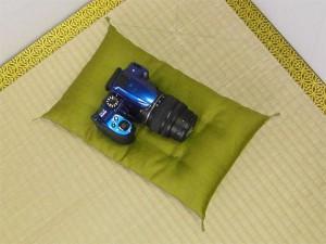 カメラの傷防止用座布団