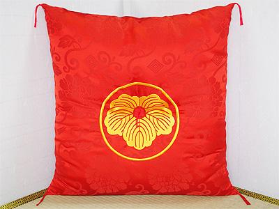 丸に蔦の家紋刺繍入れ還暦祝い座布団