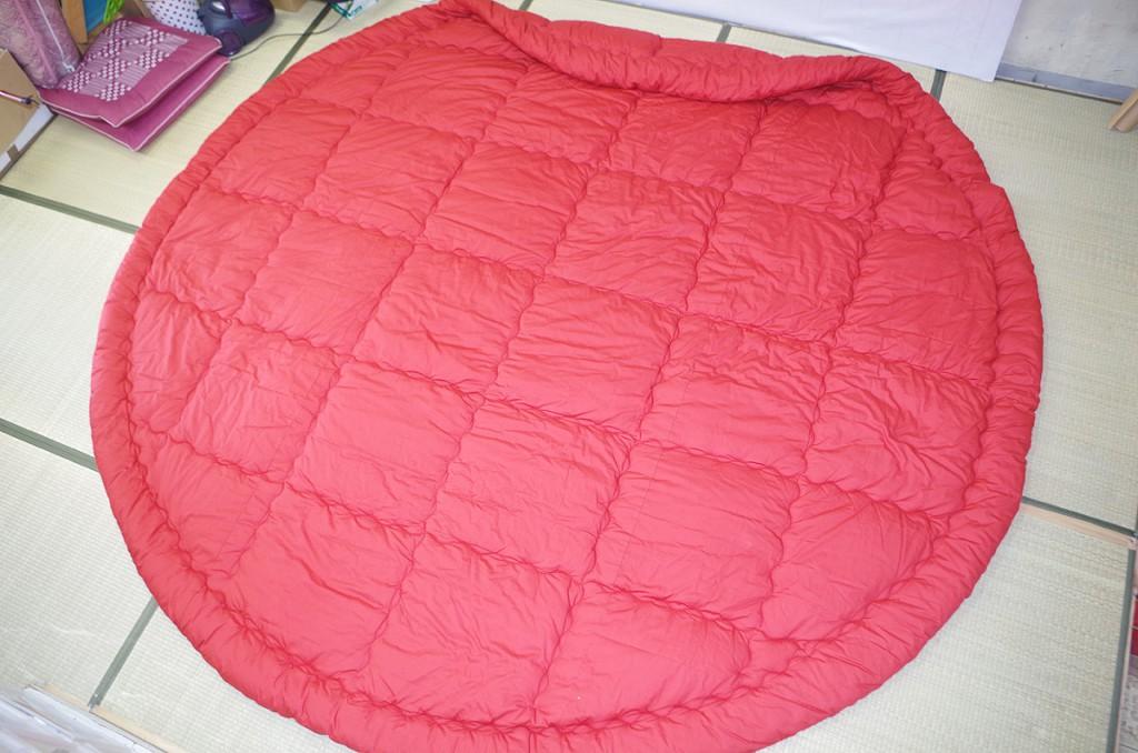 直径300cmの円形こたつ布団お仕立て例ですヌード生地煉瓦色